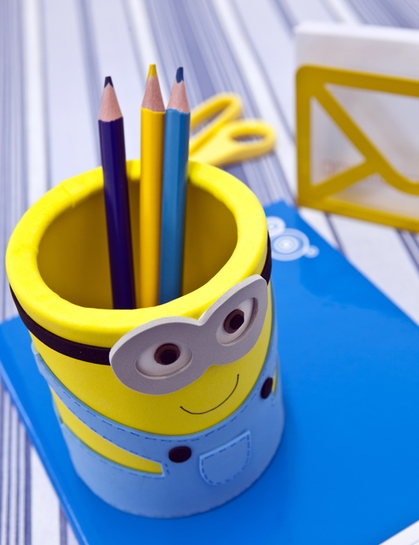 DIY minion craft ideas penholder